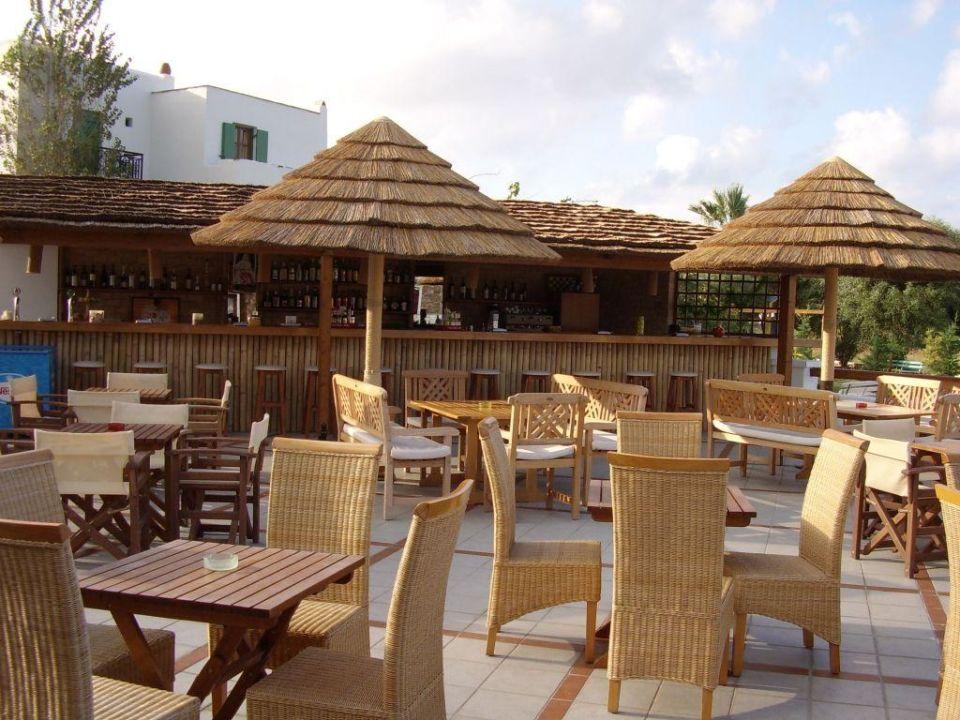 Außen- und Barbereich Hotel Naxos Resort