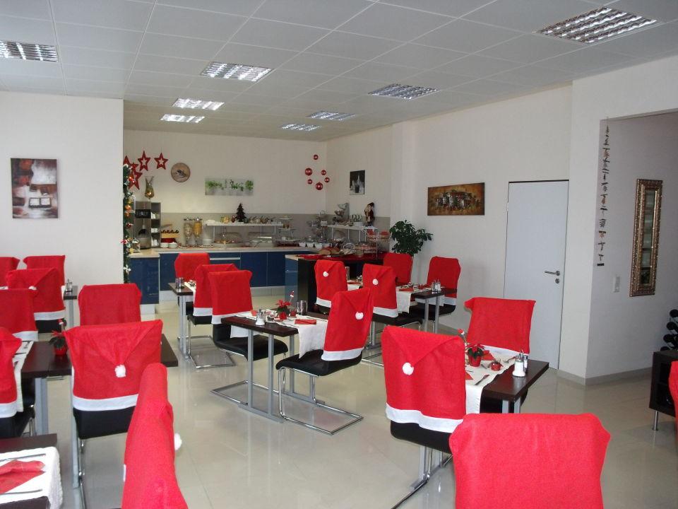 Frühstücksraum zur Adventszeit Hotel JFM