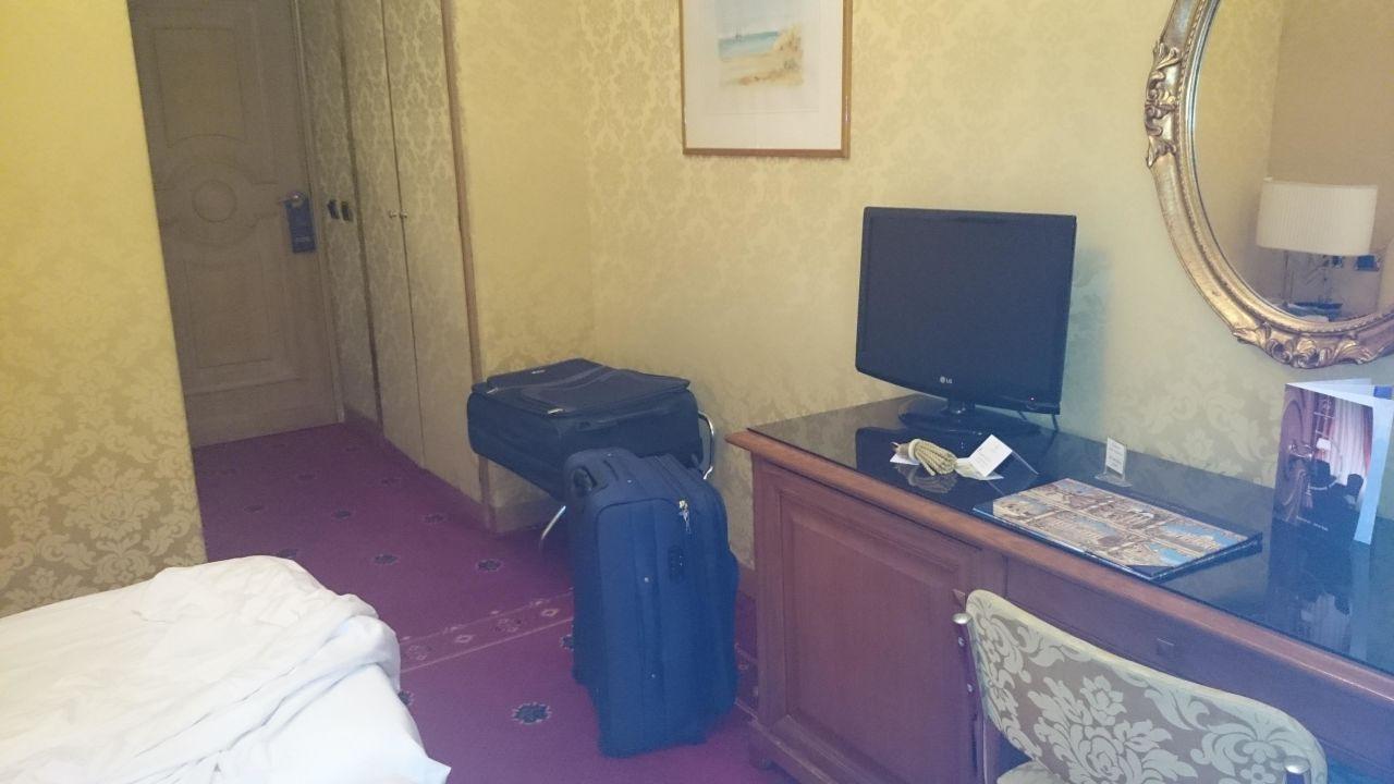 Fernseher Marcella Royal Hotel
