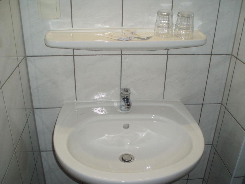 Clean restroom Hotel L'Europe