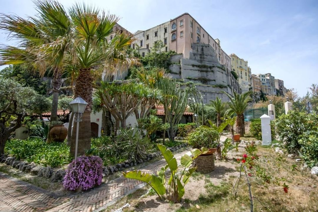 unser schoener garten hotel le roccette mare tropea holidaycheck kalabrien italien. Black Bedroom Furniture Sets. Home Design Ideas