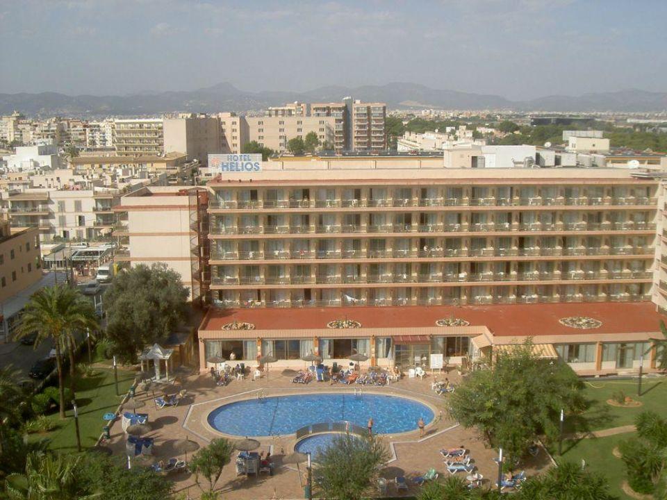 Blick zum Nachbar Hotel Helios Hotel Java