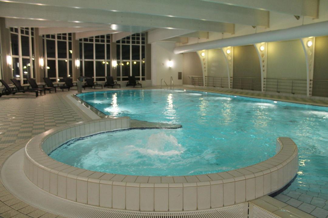blick ins schwimmbad im haus 5 vom hapimag binz hapimag. Black Bedroom Furniture Sets. Home Design Ideas