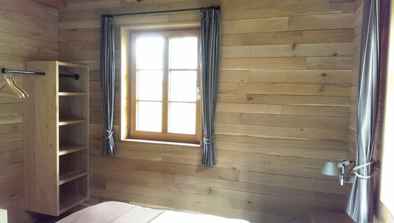 schrank im schlafzimmer bergdorf liebesgr n schmallenberg holidaycheck nordrhein. Black Bedroom Furniture Sets. Home Design Ideas