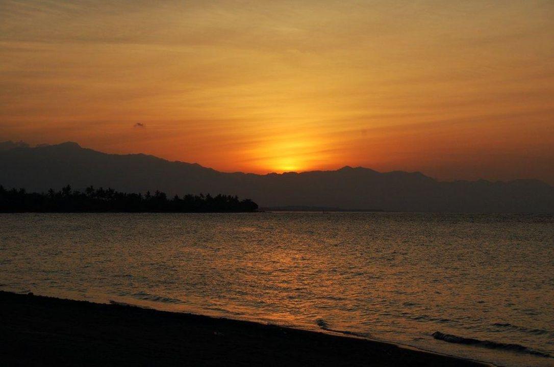 Sonnenuntergang Lovina Beach Hotel Puri Mangga