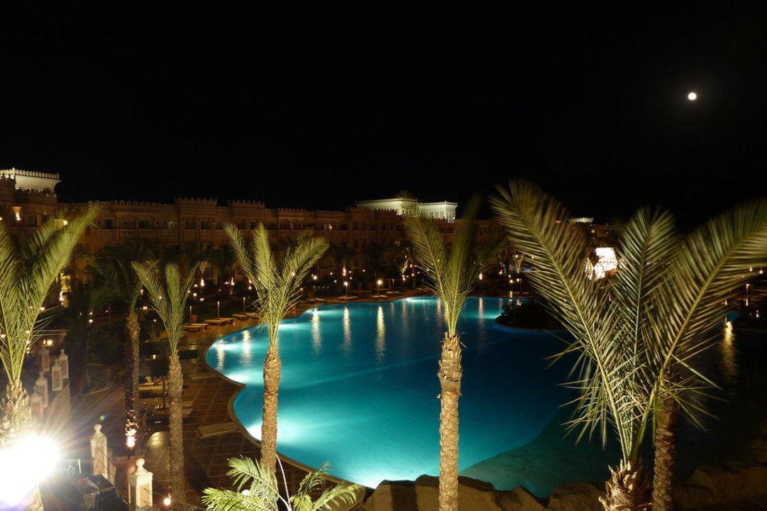 Abendblick vom Zimmer auf den Pool Albatros Palace Resort