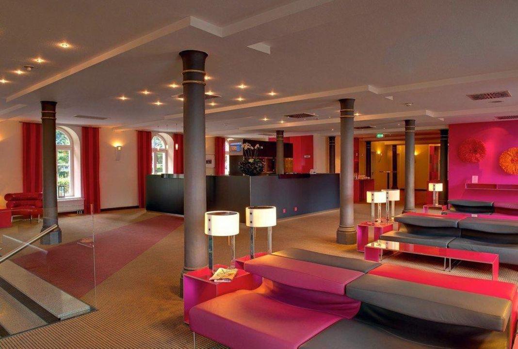 Rezeption und Lobby nestor Hotel Ludwigsburg