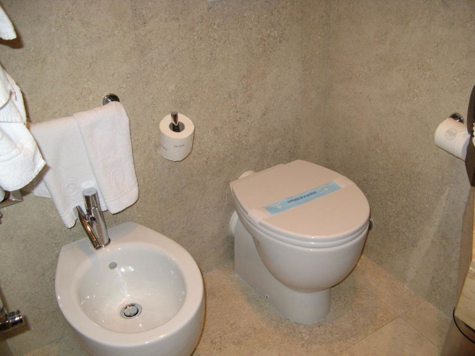 Toilette mit Bidet Hotel Barocco