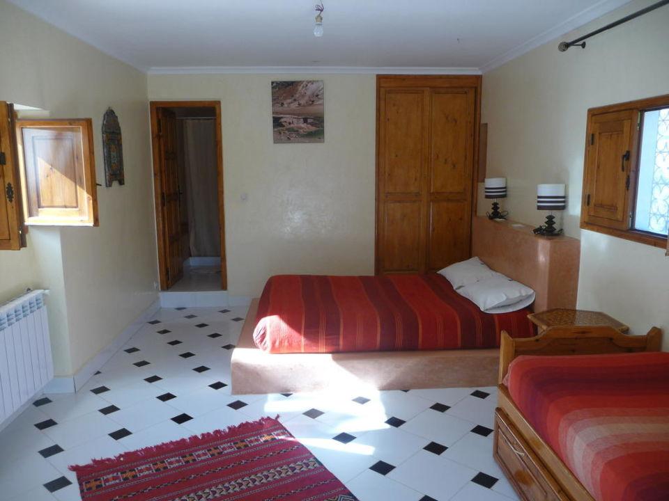 Chambre familiale (1 lit D & 2 lits S) Auberge Le Maquis