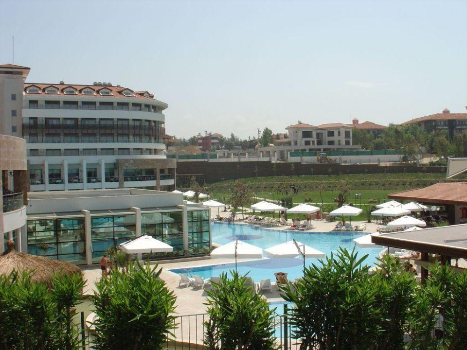 Blick vom Alba Resort zum Pool Alba Royal Alba Royal Hotel