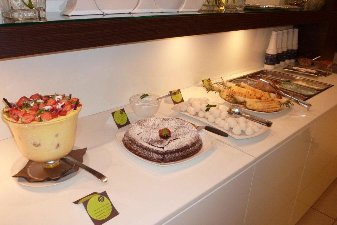 Teil vom Abendbüffet (Desserts) Hotel Belvedere