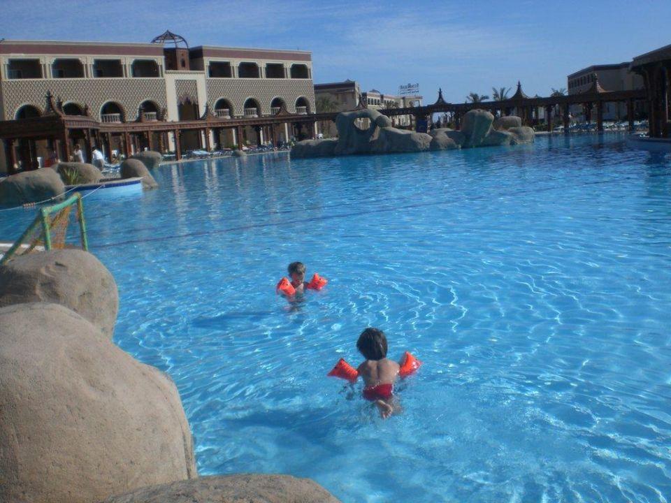 Der beheizte Pool SENTIDO Mamlouk Palace Resort