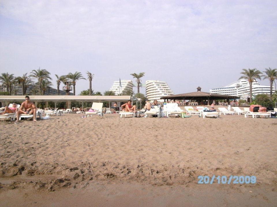 Ansicht vom Strand bis zum Hotel Hotel Miracle Resort
