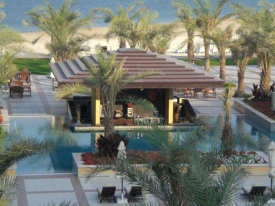 Sunset Poolbar Hilton Ras Al Khaimah Resort & Spa