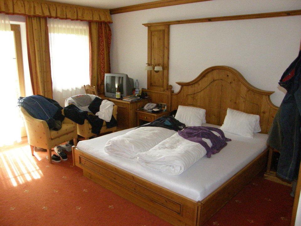 Familienzimmer Landhausstil Hotel Hexenalm In Söll U2022 HolidayCheck  U003e  Badezimmermöbel Landhausstil Österreich