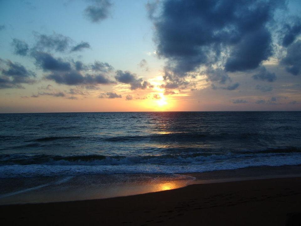Sonnenuntergang vor dem Hotel Club Hotel Dolphin