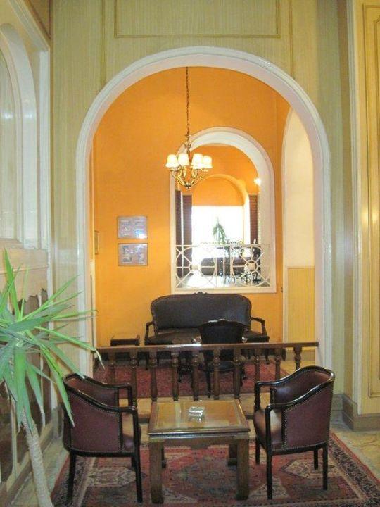 Sitzgelegenheit Eingangsbereich Hotel Victoria