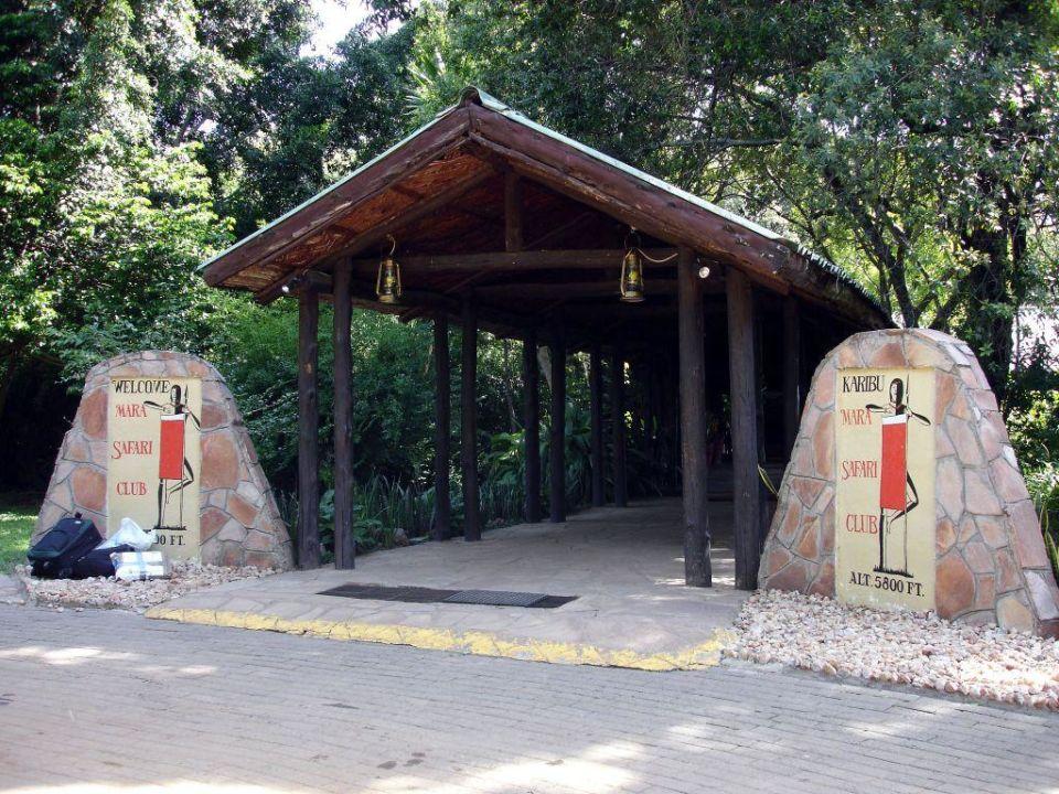 Eingang des Mara Safari Clubs Hotel Fairmont Mara Safari Club