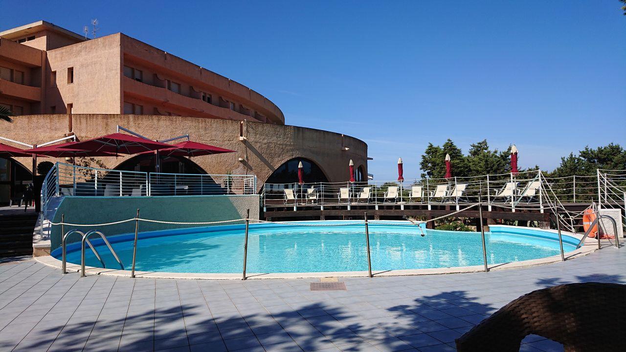 Pool Club Esse Roccaruja