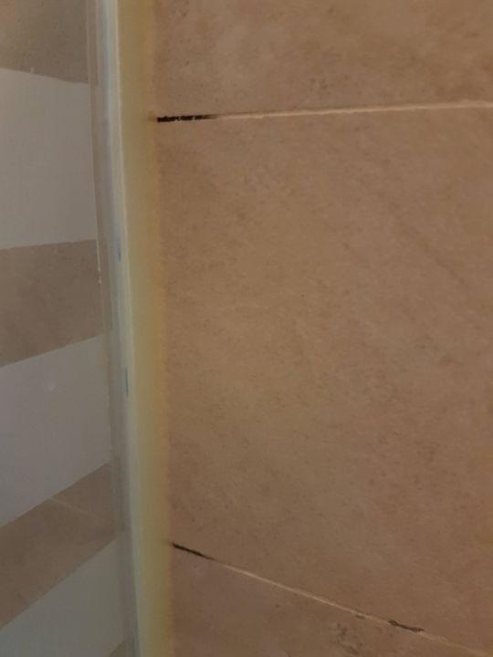 Schimmel im badezimmer red level at gran meli palacio de isora alcala holidaycheck - Schimmel im badezimmer ...
