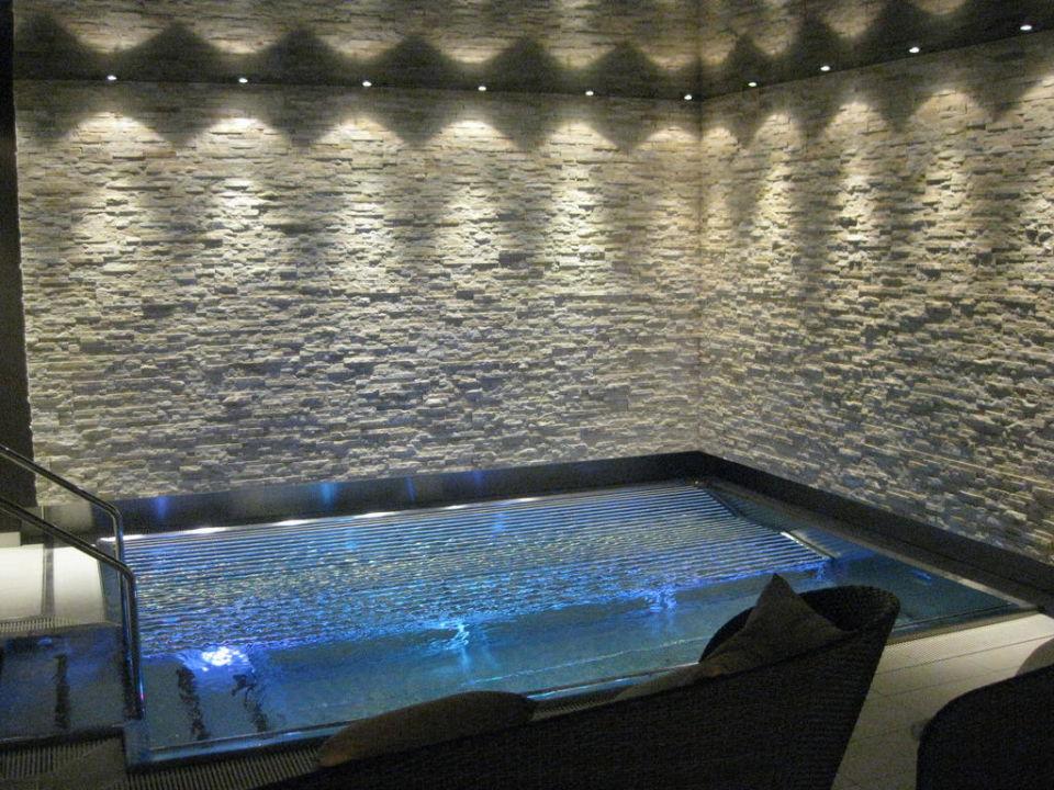 Grosser Whirlpool Europe Hotel & Spa