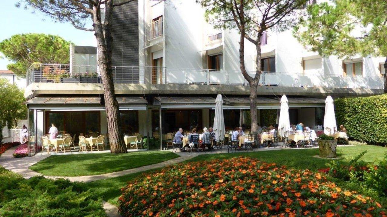 Fruhstucksrestaurant Mit Terrasse Art Park Hotel Union Lido