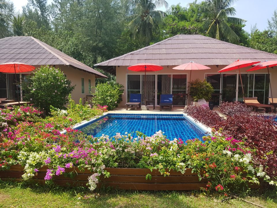 bungalow mit pool the andamania beach resort spa khuk khak beach holidaycheck khao lak. Black Bedroom Furniture Sets. Home Design Ideas