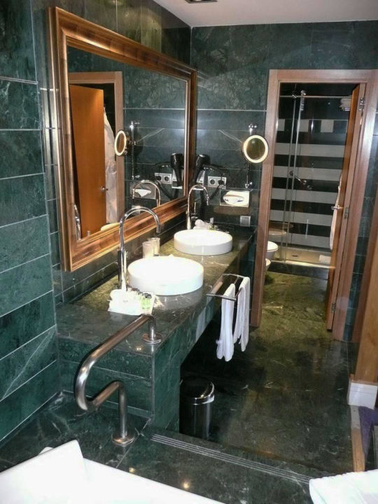 Suite #217 Hotel NH Collection Madrid Paseo del Prado