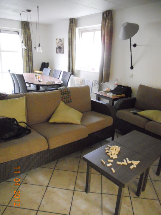 Wohnzimmer sitzgruppe center parcs park eifel heilbachsee holidaycheck rheinland pfalz - Sitzgruppe wohnzimmer ...