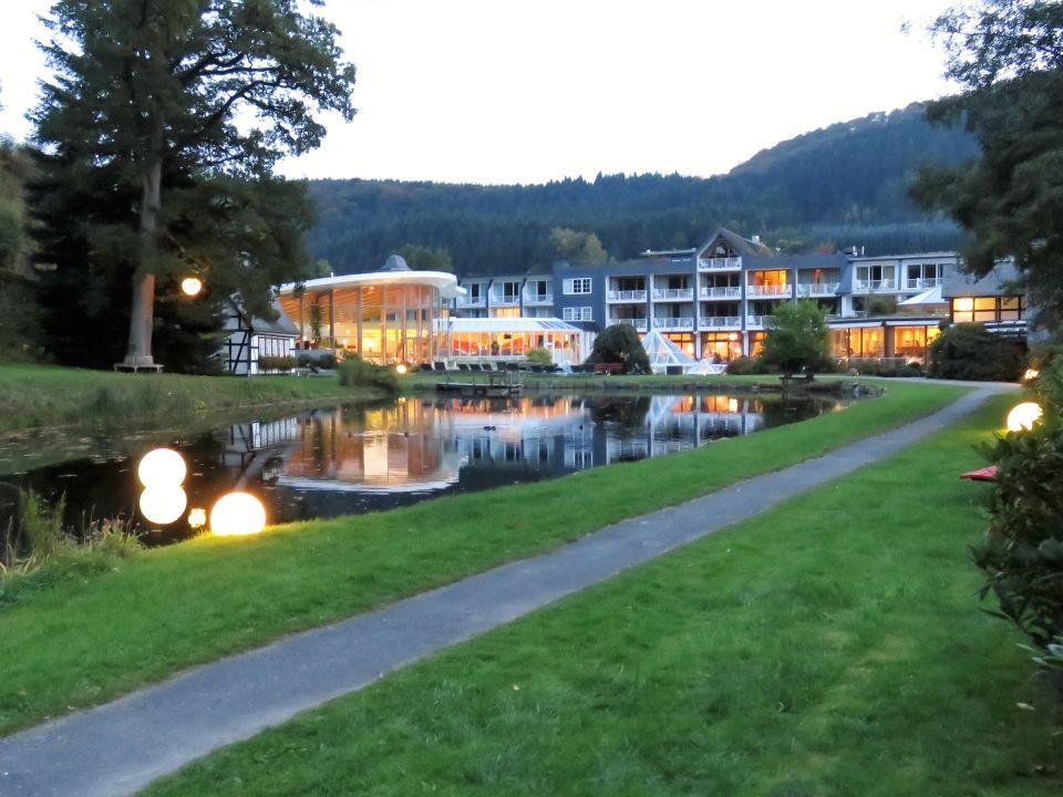 gartenanlage romantik wellnesshotel deimann schmallenberg holidaycheck nordrhein. Black Bedroom Furniture Sets. Home Design Ideas