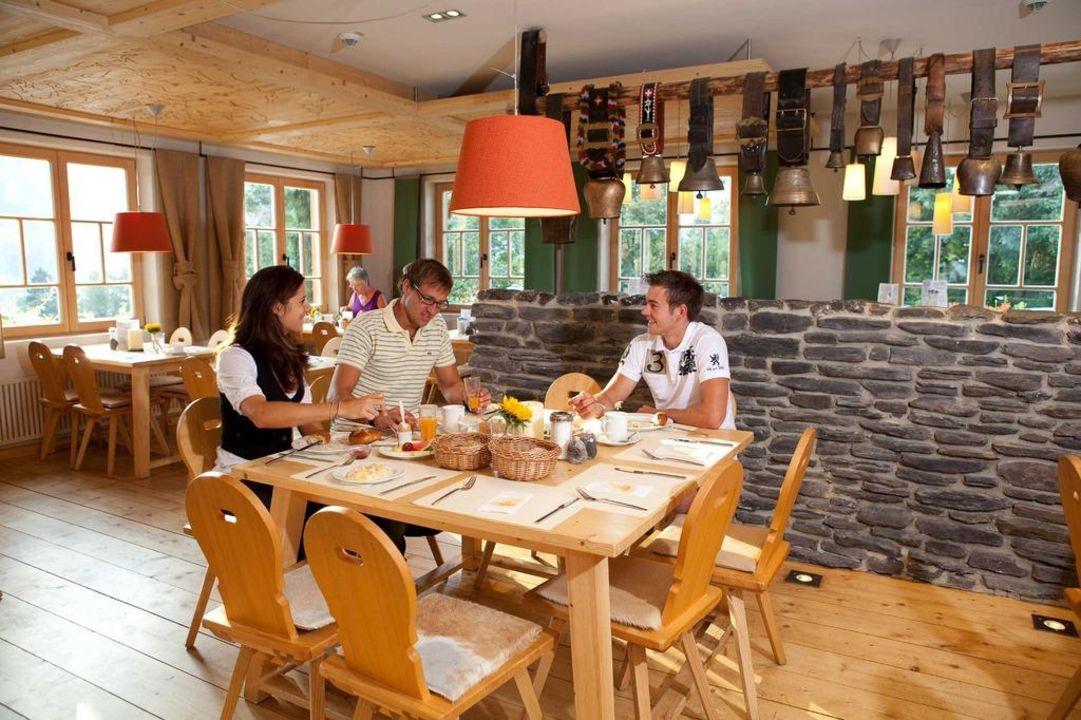 Genießen Sie das reichhaltige Frühstück Hotel Oberstdorf
