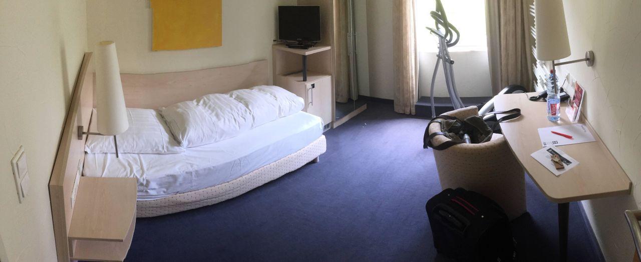 das ganze einzel zimmer hotel viva creativo hannover holidaycheck niedersachsen. Black Bedroom Furniture Sets. Home Design Ideas