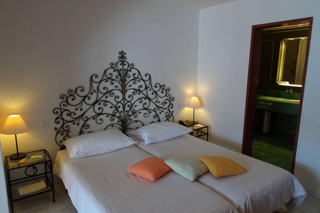 Romantisches schlafzimmer sunstar hotel brissago brissago holidaycheck kanton tessin for Romantisches schlafzimmer