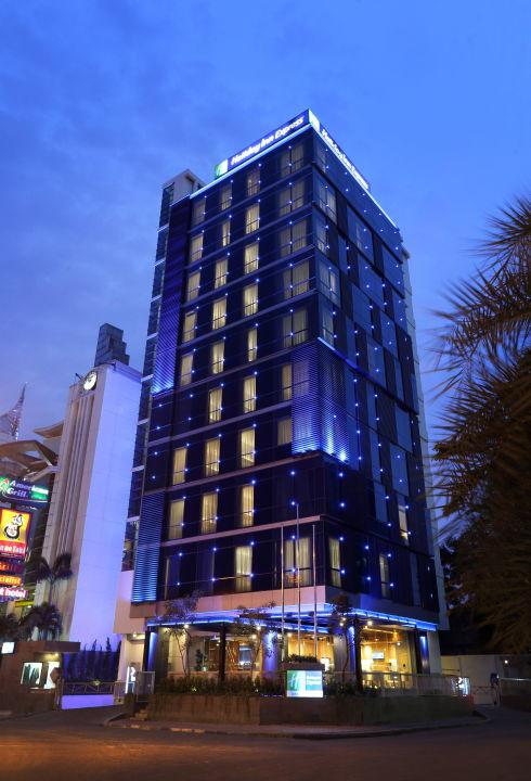 Hotel Exterior Holiday Inn Express Jakarta Thamrin