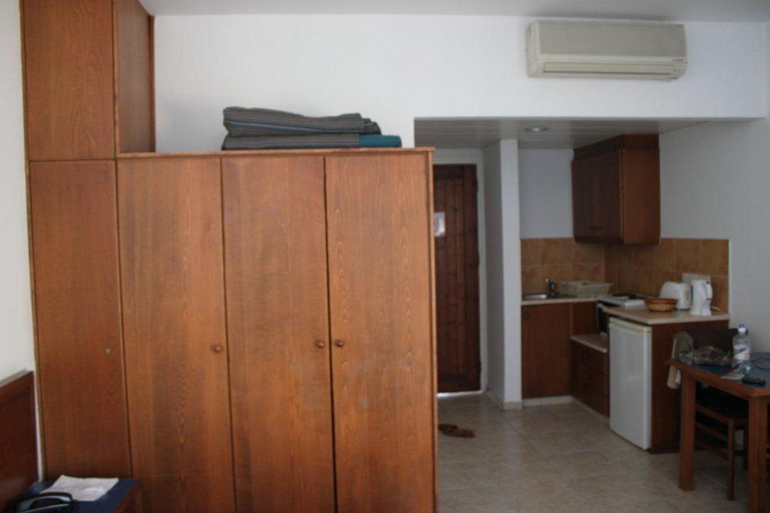 Möbel Im Zimmer Hotel Eleni Holiday Village Chloraka