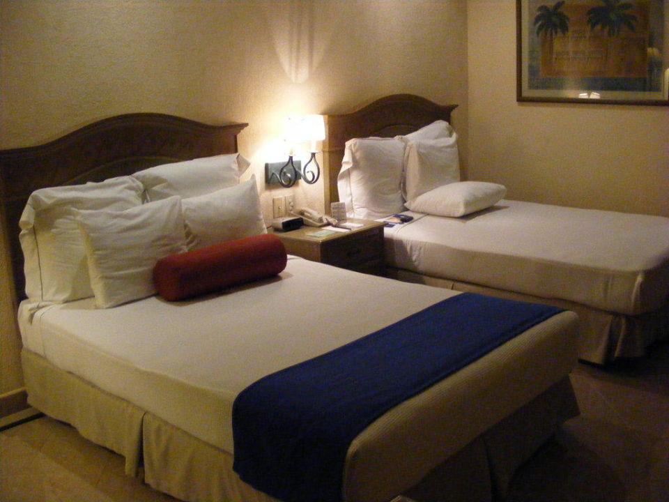 Blick auf Betten Hotel Fiesta Americana