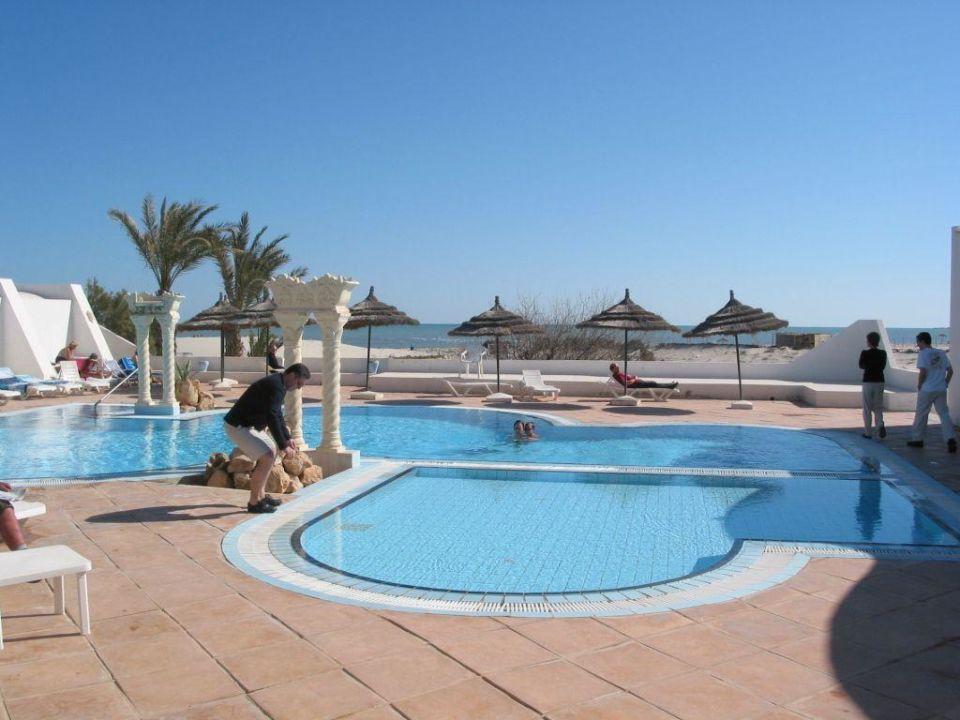 Kleiner Pool Hotel Meninx