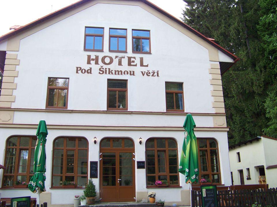 Mitten in der Natur gelegen,mit vielen Wanderwegen Hotel pod Šikmou Věží
