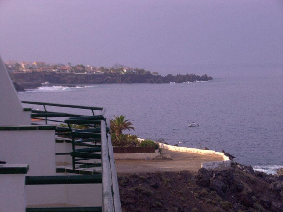 Ausblick vom Balkon zur linken Seite Hotel Barcelo Santiago