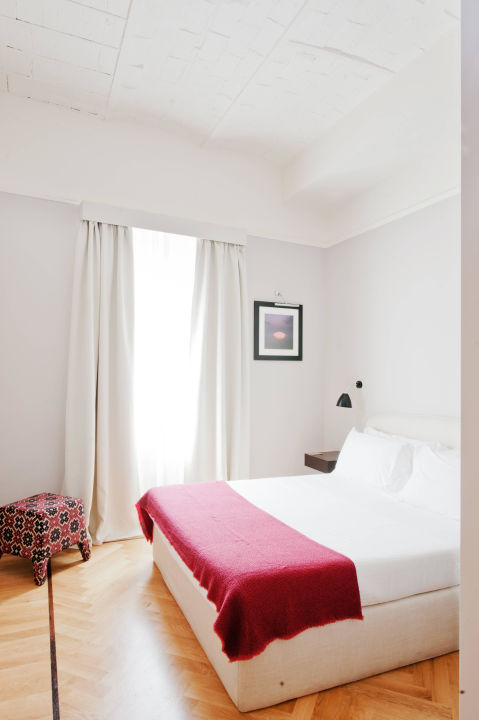 Classic Light Room The Fifteen Keys Hotel