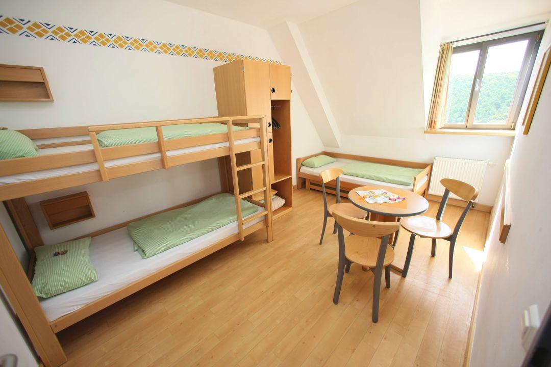 Zimmer der Jugendherberge Altleiningen\