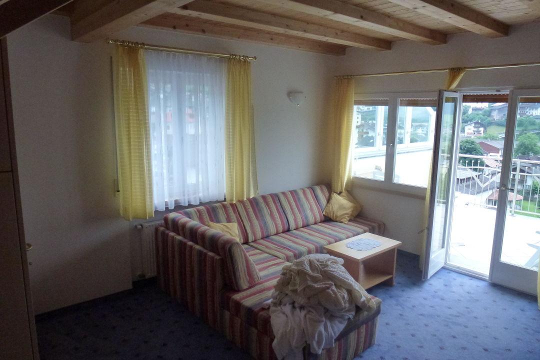 Sofa und Balkon Appartements Residence Königsrainer
