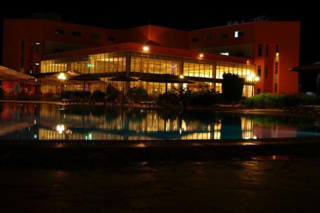Widok na główny budynek Hotel Harmony Makadi Bay
