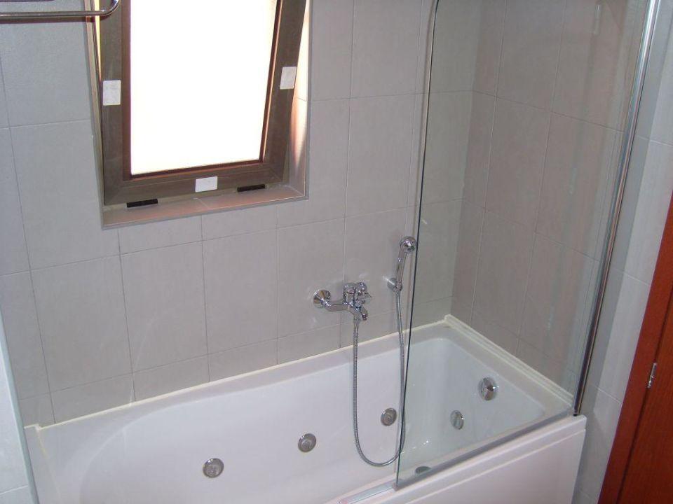 badewanne mit duschabtrennung gx55 hitoiro. Black Bedroom Furniture Sets. Home Design Ideas