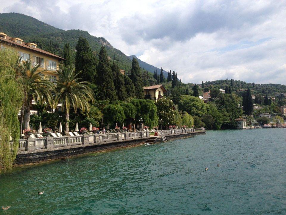 Dal molo vista del parco dell'hotel Grand Hotel Fasano