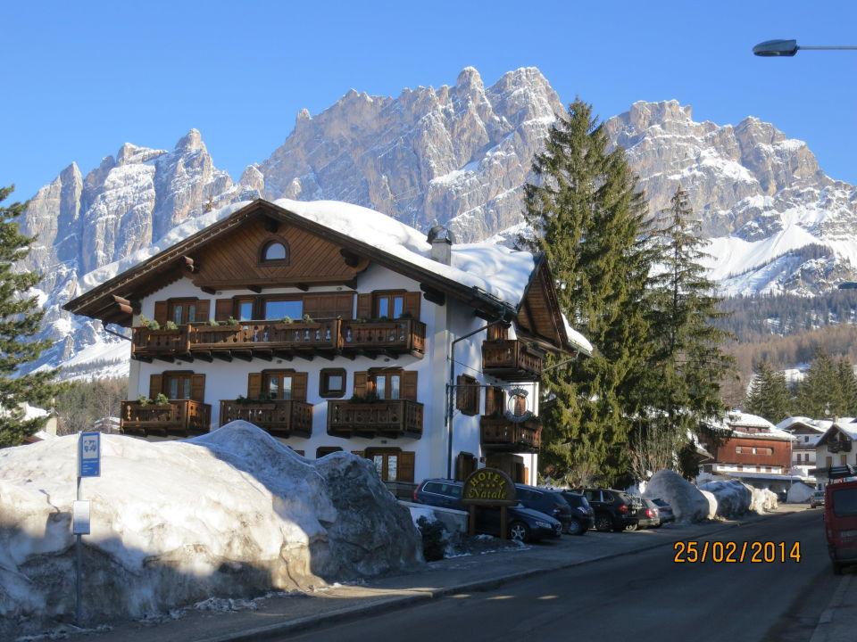 Widok z przystanku skibusa Hotel Meublé Natale