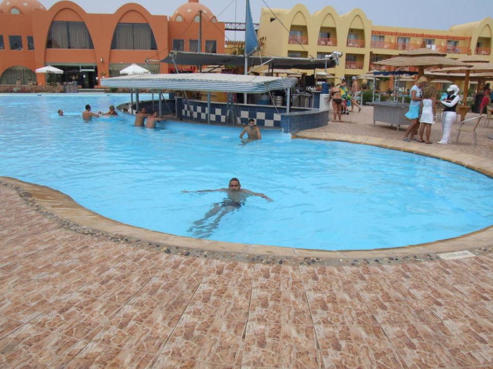Pool Bar Titanic Beach Spa & Aqua Park