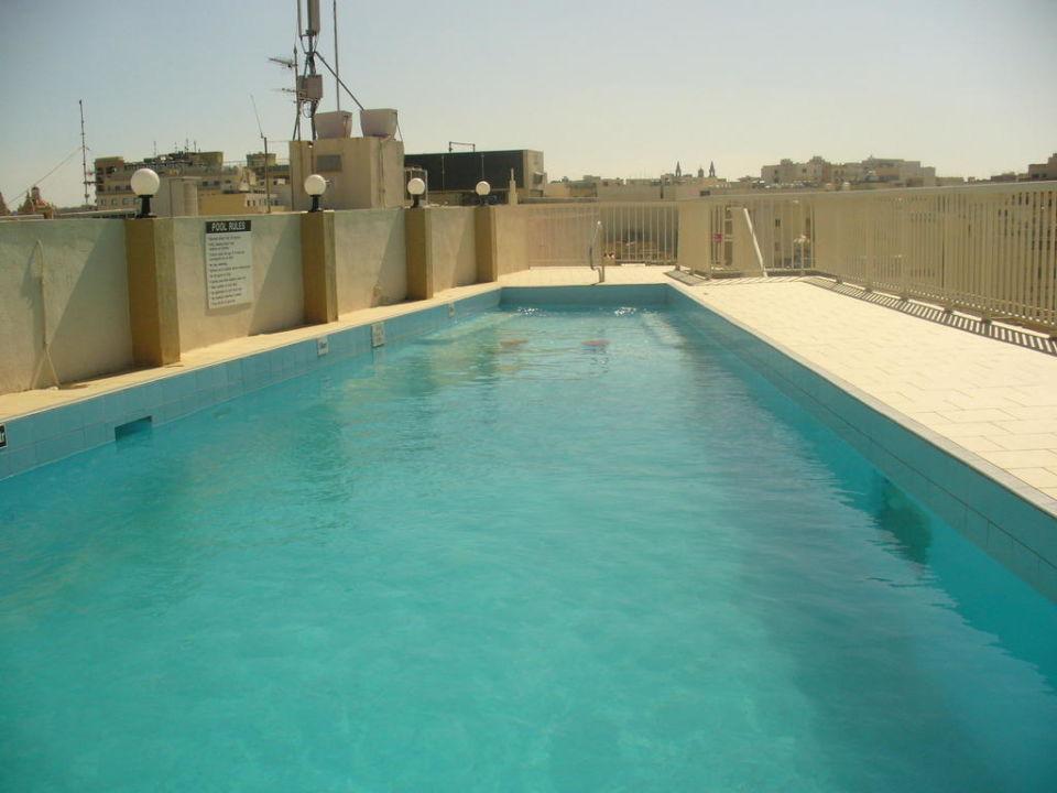 """Pool Auf Dem Dach"" The Diplomat Hotel (Sliema"