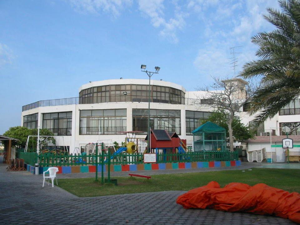 Ansicht vom Garten Hotel Khalidiya Palace Rayhaan by Rotana