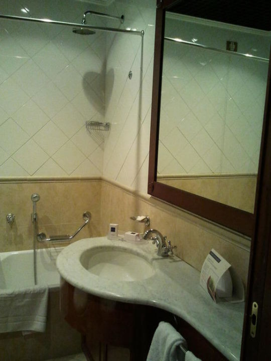 Waschbecken UNAWAY Hotel & Residence Linea Uno  Milano
